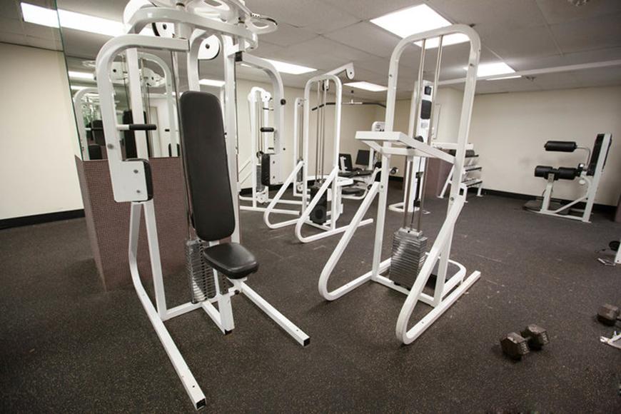 fitness-center--v3682534-720